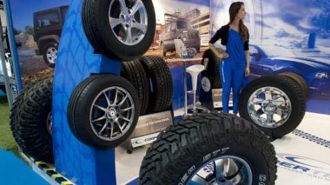 Mitessh Thakkar: BUY Apollo Tyres, NALCO; SELL NTPC and ONGC