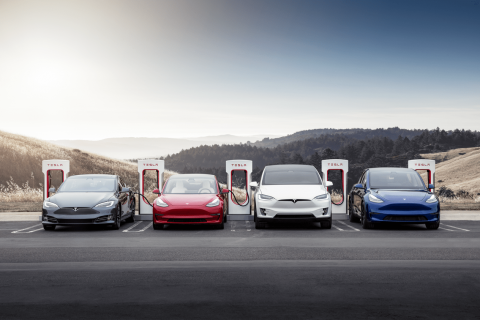 Tesla building world's largest Supercharger station with 100 charging stalls in California