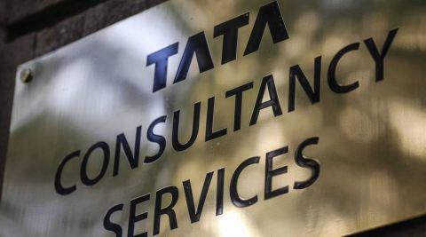 Sudarshan Sukhani: BUY Bata India, Bajaj Finance, TCS; SELL Glenmark