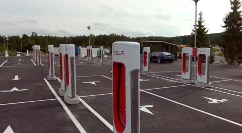 Number of Tesla EV Superchargers crosses 20,000 globally