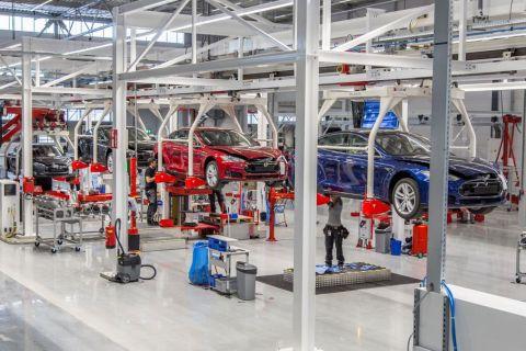 Tesla delivered nearly 97,000 EVs in 2019 Q3, narrowly missed 100,000 deliveries target