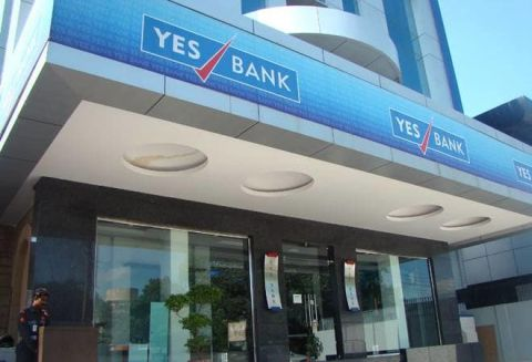 YES Bank Declines 10 percent as FPO shares list