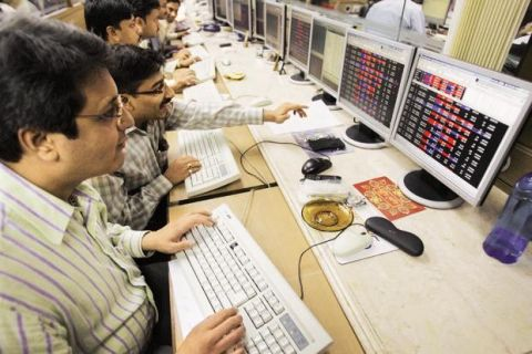 India Market Wrap: Stocks End the Week with Worst Performance in Years