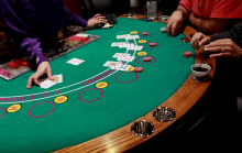 How to Pick Between Online and Traditional Casinos