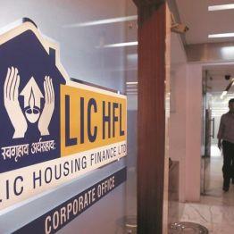 Sudarshan Sukhan: BUY LIC Housing, Adani Ports, Alkem Labs; SELL SBI