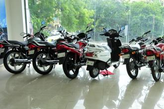 Domestic two-wheeler industry volumes to remain flat: ICRA