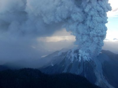 Alaska volcano spewing ash over Anchorage