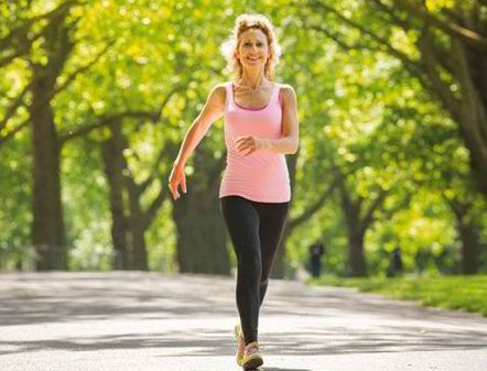 Brisk walk boosts memory in breast cancer survivors