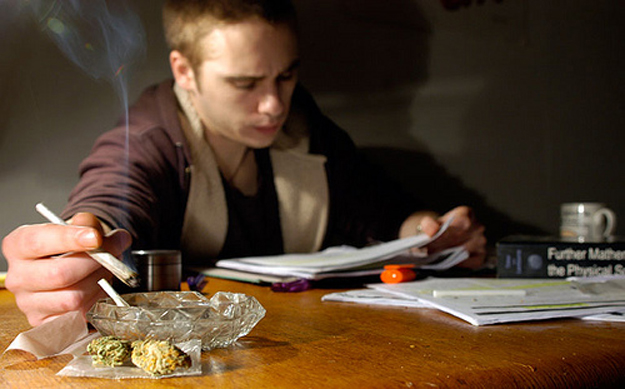 Heads up college students! Boozing, marijuana linked to poor grades