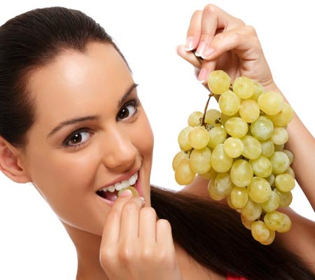 Eating grapes reduces knee pain