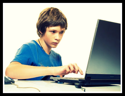 Internet can be crucial for teens' development: Study