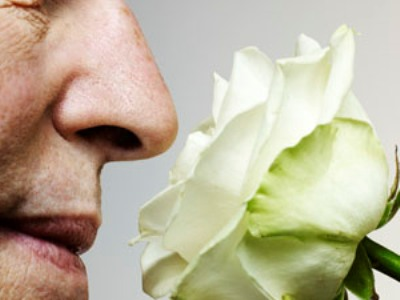 Smell test can reveal if you are at Alzheimer's risk