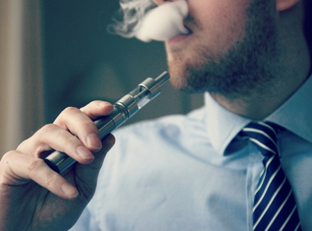 Vaping causes lesser lungs damage than traditional cigs, feel most under-35 Americans