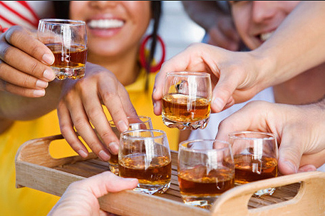 Moderate alcohol consumption 'boosts immune system'