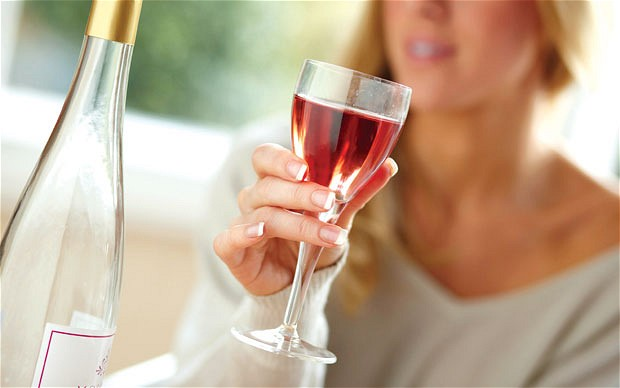Modest alcohol consumption 'halves risk and severity of hepatitis'