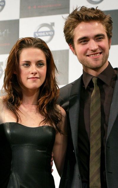 kristen stewart and robert pattinson dating. Stewart, 21, was spotted