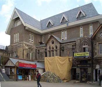 Tourists, step into history at Shimla's Gaiety Theatre | TopNews