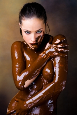 http://topnews.in/law/files/Women_prefer_chocolate.jpg