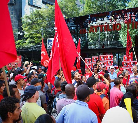 Brazil bus drivers go on strike in Rio