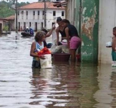 Death toll in Brazil floods climbs to 14
