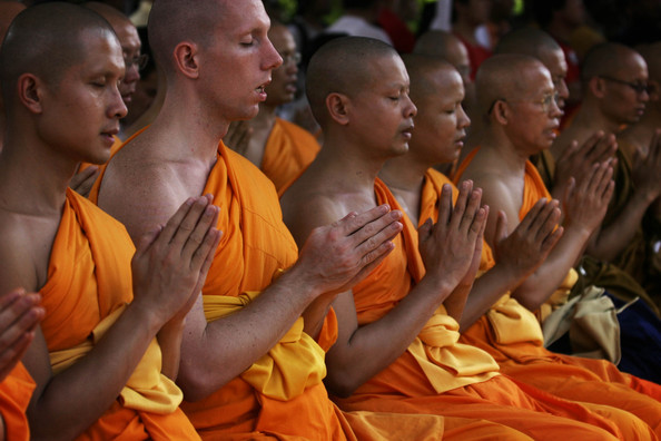 http://topnews.in/law/files/buddhist-monks_0.jpg