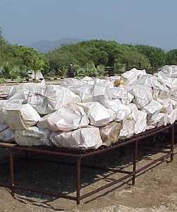 Bolivia seizes 104 kg of cocaine