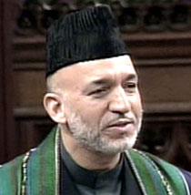Karzai extends Pakistan visit