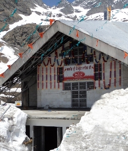 Hemkund Sahib shrine shut, rains lash Uttarakhand