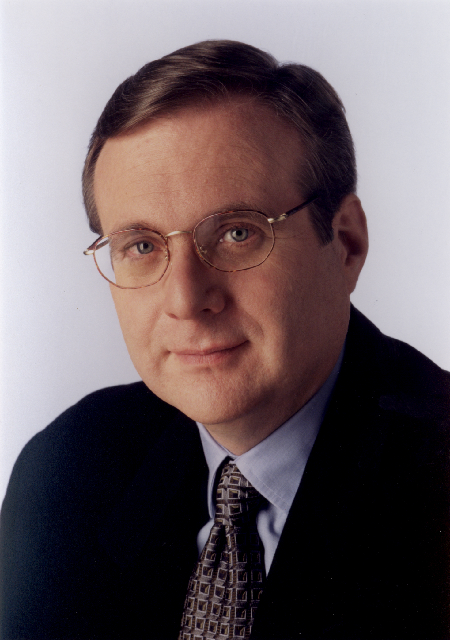 Microsoft co-founder Paul Allen sues Google, Apple, nine others for web patent breach