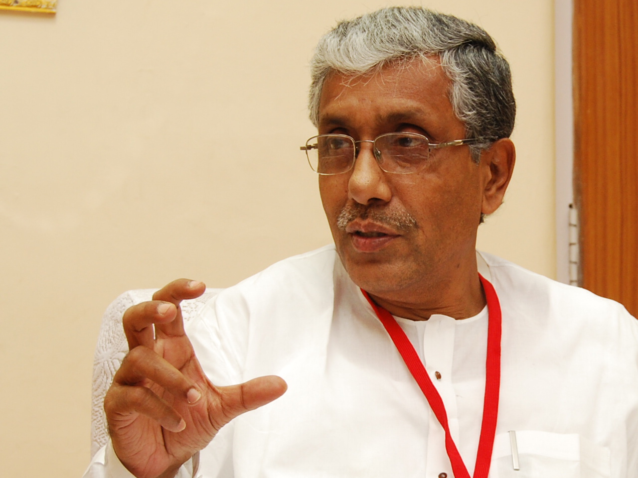 http://topnews.in/law/files/manik-sarkar_8.jpg