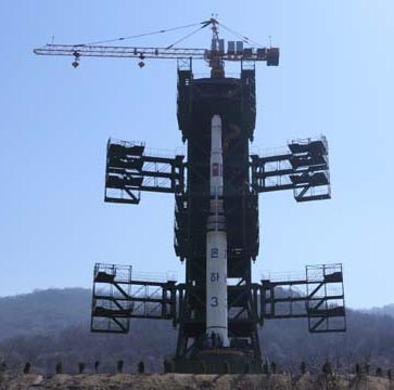 N.Korea puts rocket's second stage on launch pad