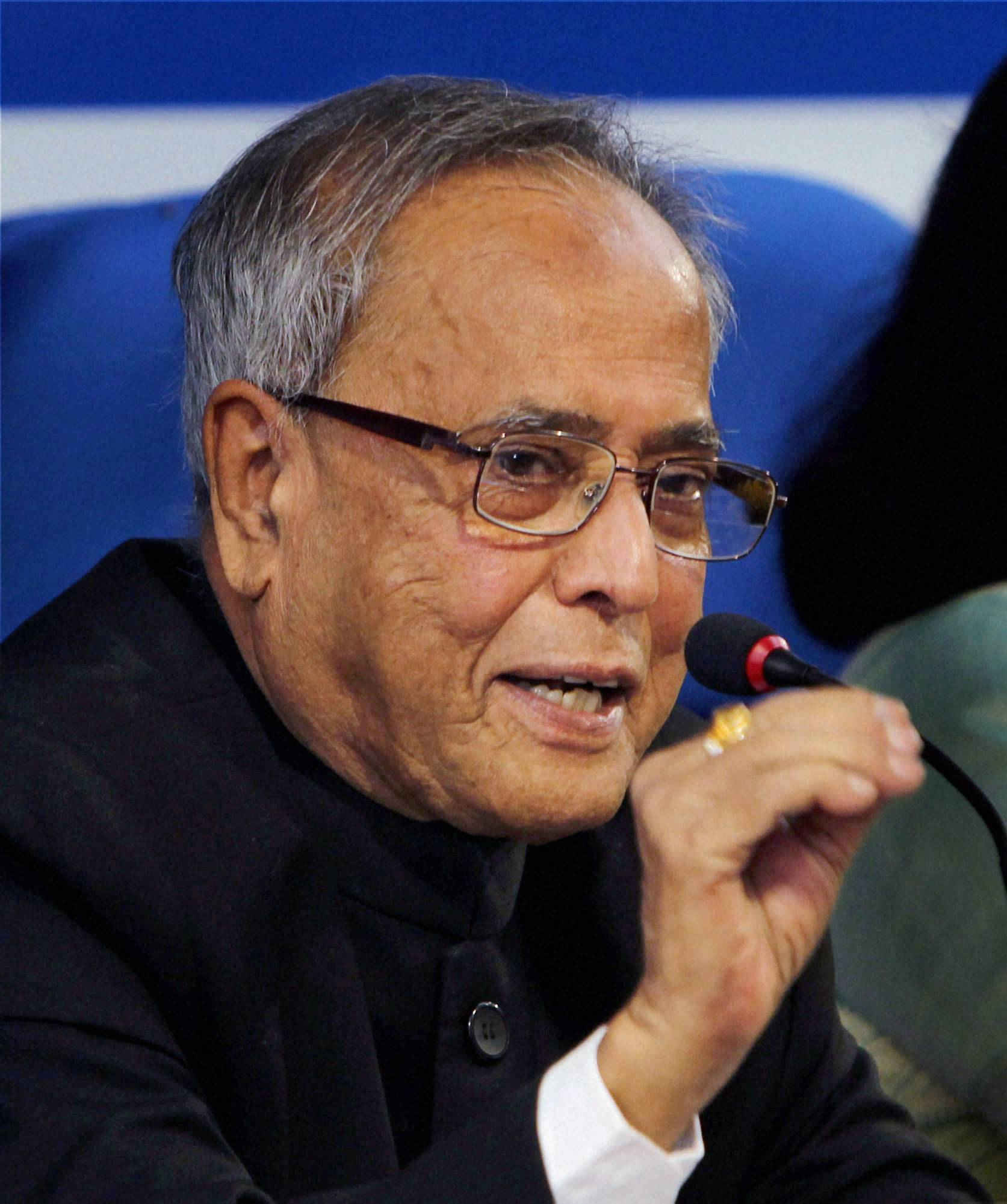 President Pranab says India and Bangladesh should walk '' shoulder to shoulder''