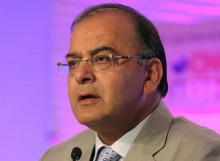 Jaitley hopes PSBs are able to transmit cuts in policy rates by RBI
