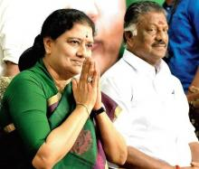 Tamil Nadu political turmoil escalates as Sasikala reaches AIADMK HQ