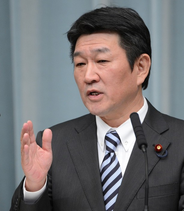 Japan to review plans to abandon nuclear power