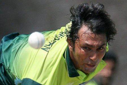 Azhar Mahmood likely to join Pak as bowling coach