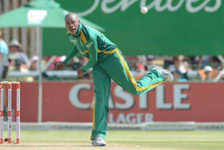 Aaron Phangiso's bowling action comes under review