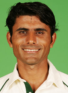 Razzaq disappointed over Pak players' omission from IPL 4 auction
