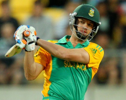 Albie comes in rescue of under-fire Morne, De Villiers