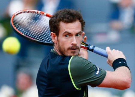 Murray poised to dethrone Djokovic as world No.1