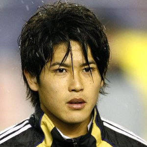 Uchida extends stay at Schalke till 2015