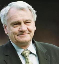 Sir Bobby Robson leaves 3.5 million pounds for wife, three sons