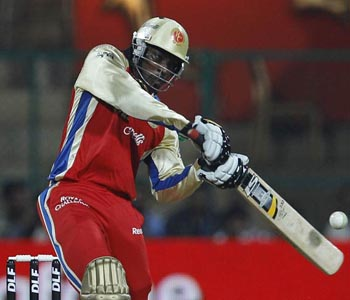Gayle stars as Royal Challengers beat Pune Warriors in a thriller