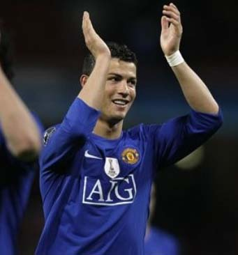 Cristiano Ronaldo celebrates 2010 – with grapes!