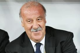 Spanish manager Del Bosque becomes first to complete treble of CL, WC and Euros