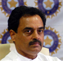 Vengsarkar among ex-cricketers to feature in Super Sixes tourney