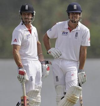 England 41/3, trail by 480 at end of Day two