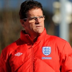 Capello says will never play Rooney as sole striker