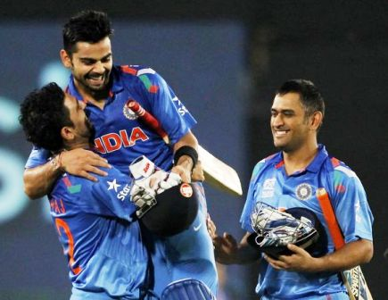 Dhoni gushes over Kohli's `incredible` knock post Aussies drubbing