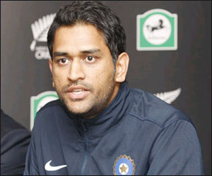 Keep sentiments aside during ODIs against Pak: Dhoni